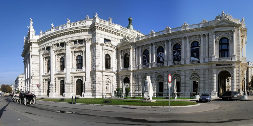 Wiener Burgtheater feierlich wiedereröffnet